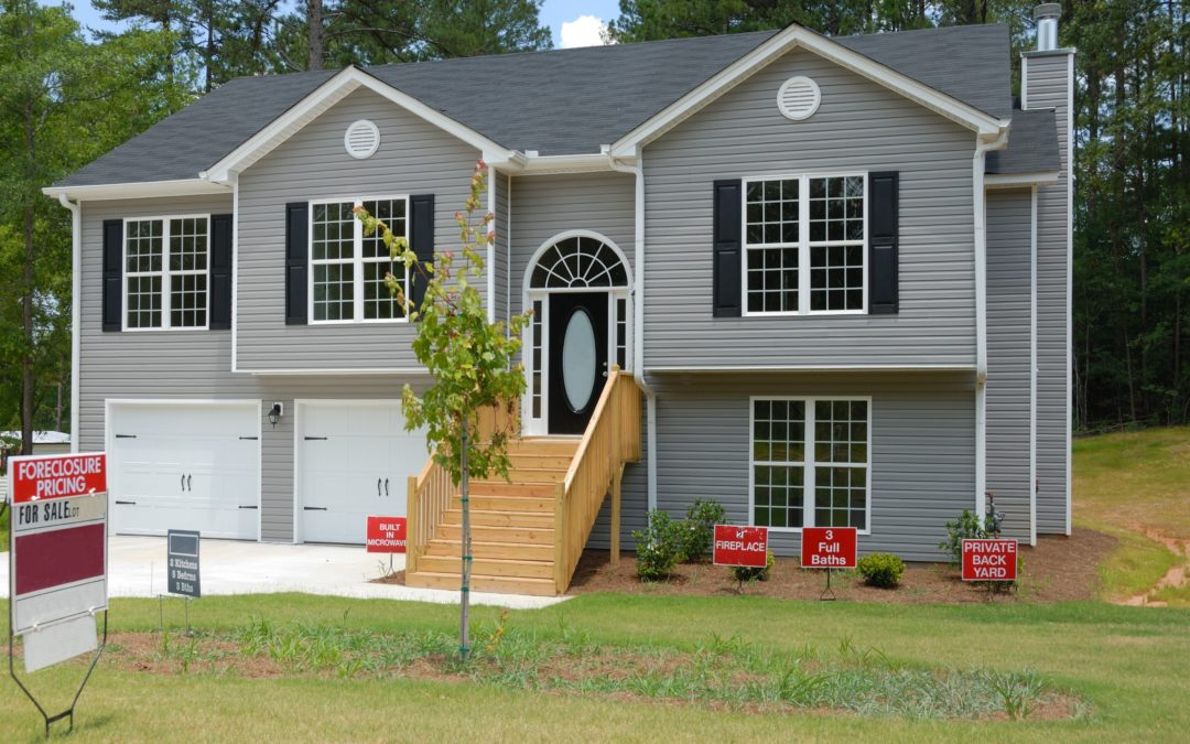 Foreclosures: How to Find Them   How to Buy Them